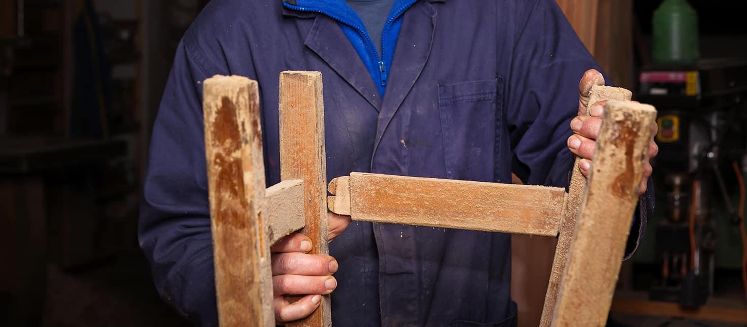 Come restaurare uno sgabello in legno